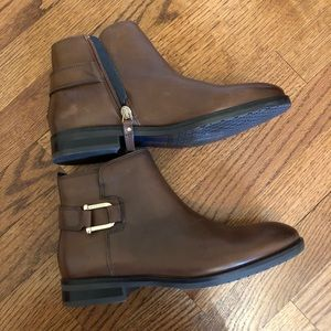 NWOT Tommy Hilfiger Brown Leather Booties